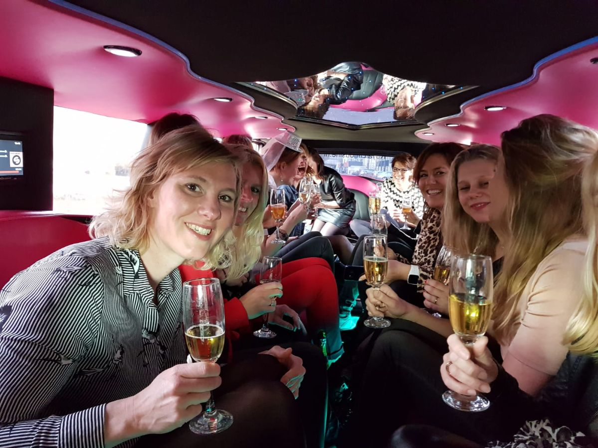 XL Limousine Nederland Ladies Night